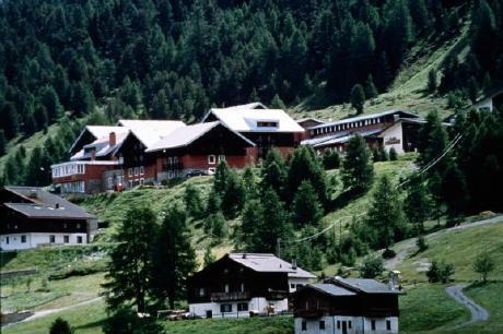 Immagine dell hotel san carlo a livigno - Livigno hotel con piscina ...