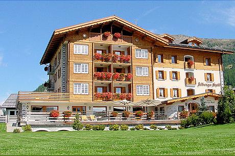 Immagine dell hotel sp l a livigno - Livigno hotel con piscina ...
